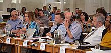 Finanzausschuss und Direktion, ganz rechts D. Peerwijk (Surinam)