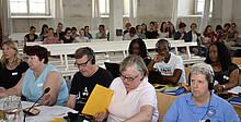 Zu den Verhandlungen in Sachen Nachhaltigkeit war auch eine Schulklasse der Zinzendorfschulen Herrnhut (hinten) gekommen