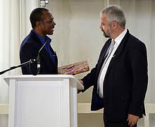 D. Peerwijk, Präses der Brüdergemeine in Surinam, J. Welschen (Direktion)